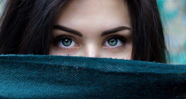 kreski na oczach